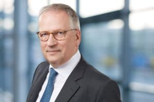 CFO Dr. Uwe Ganzer